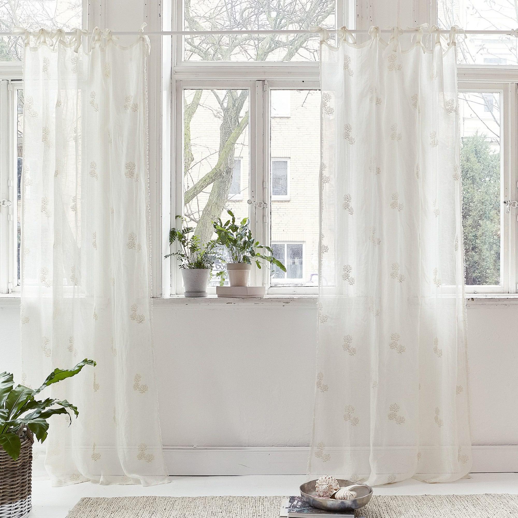 gardine flowers loberon. Black Bedroom Furniture Sets. Home Design Ideas