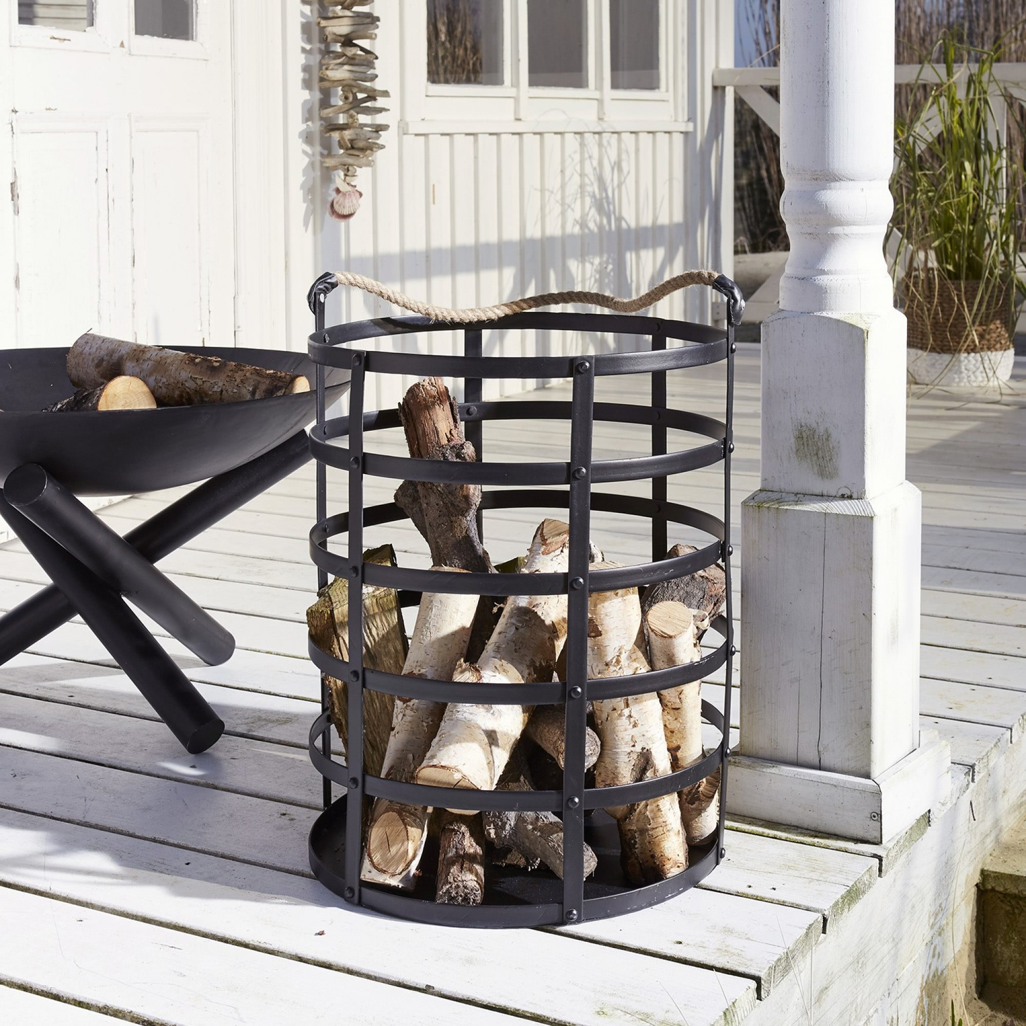 feuerholzkorb chasper loberon. Black Bedroom Furniture Sets. Home Design Ideas